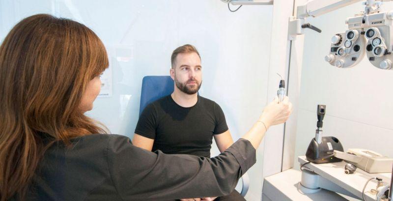 prueba motilidad-ocular ópticas claravision